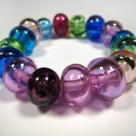 Náramek zbarevných bublin